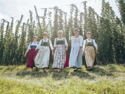 Hopfenbotschafterinnen im Landkreis Pfaffenhofen. Foto: Martin Erd